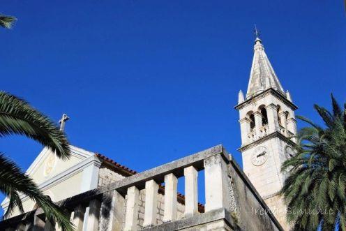 Splitska - the church of the Blessed Virgin Mary / crkva Blažene Djevice Marije