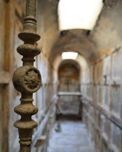 Sutivan - catacombs / katakombe