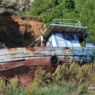Dol - abandoned ship / napušteni brod